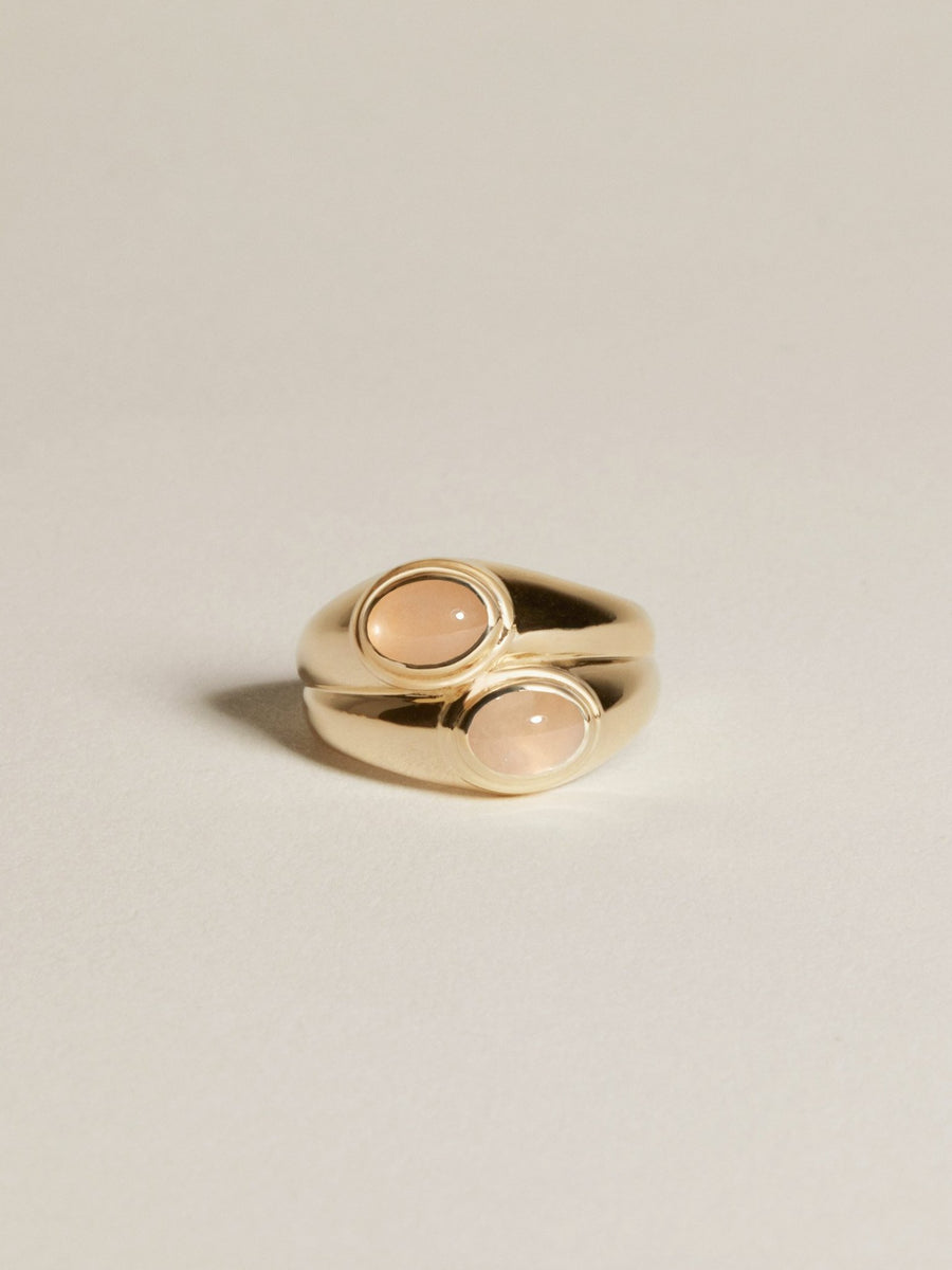 J. Hannah Duet Signet Duo Face Ring Gold Peach Moonstone