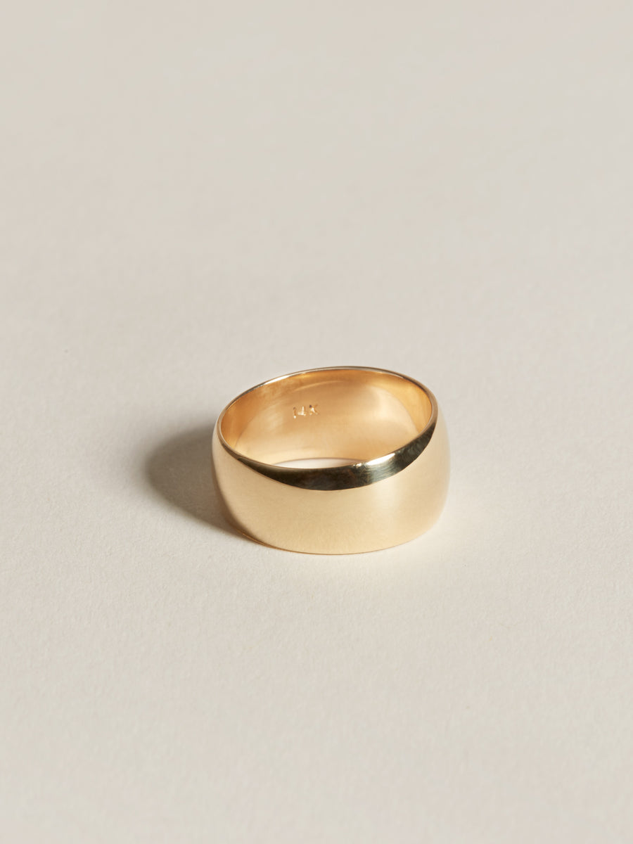 J. Hannah Classic 14k Gold Cigar Band Ring Detail