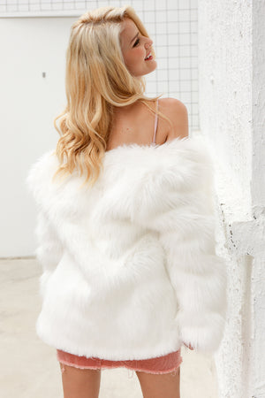 Casual Furry Faux Fur Female Short Coat  LAVELIQ - Laveliqus