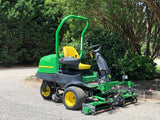 John Deere 2500E Riding Greens Mower (7376)