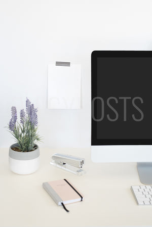 twigyposts,iMac with Sign | Individual Photos,TwigyPosts,Individual Stock Photos