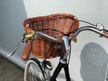 BASKET VINTAGE FRONT WITH SUPPORTING BRACKET