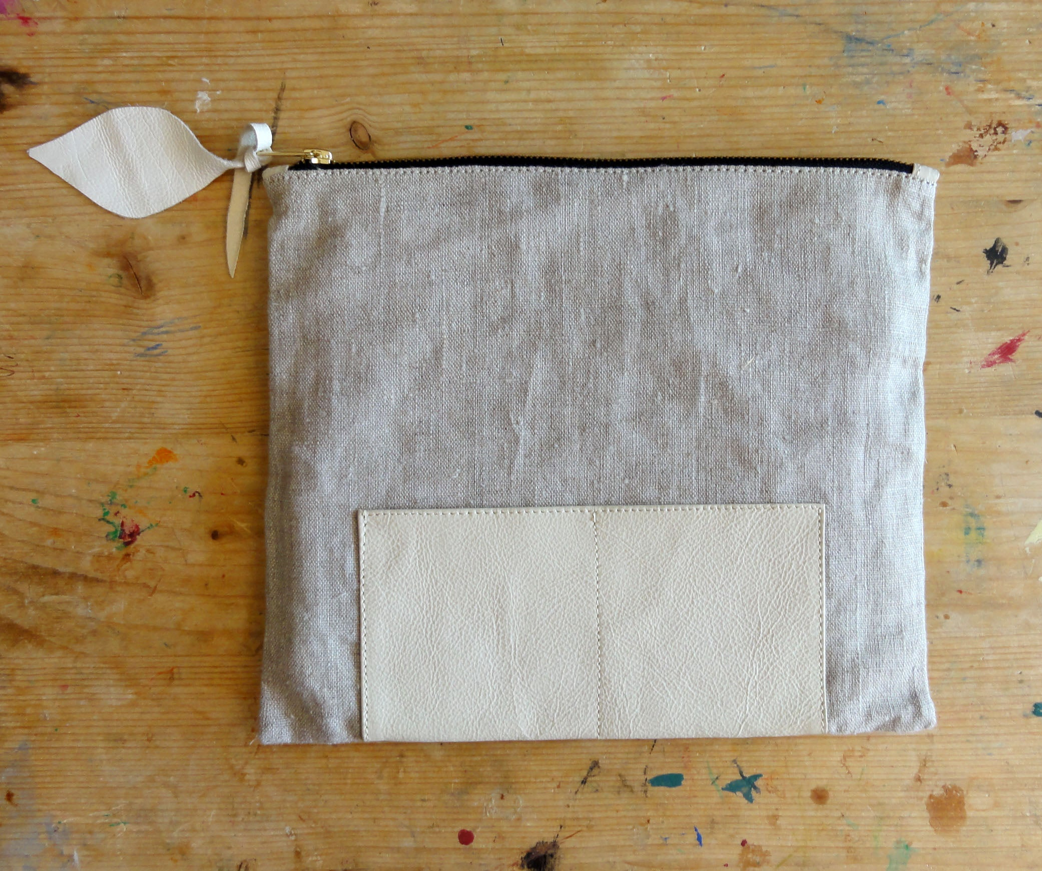 Large Clutch in Italian Leather and Natural European Linen