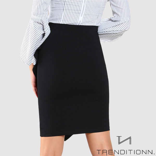 Black high waist skirt with volant