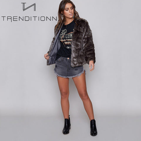 products/Short_faux_fur_coat_purple_grey_voorkant_1.jpg