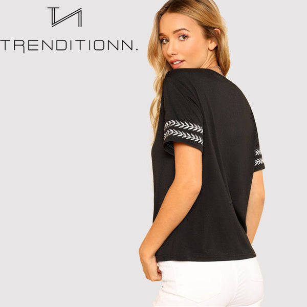Black tee with decoration