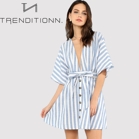 products/blue_white_striped_v-neck_01.png