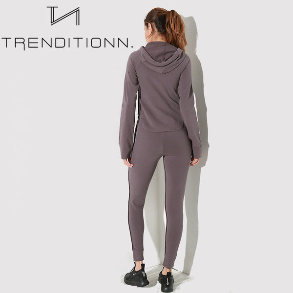 One colored jogging set