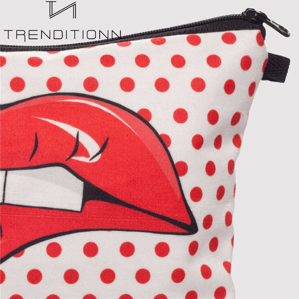 Make-up bag with dots and lips