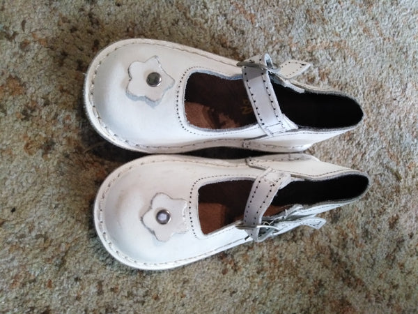 Baby Mary Jane Vellies (Size 7)