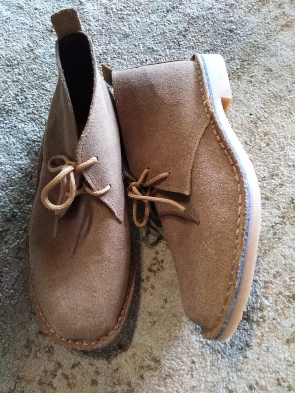 Farmers Vellies Tan suede