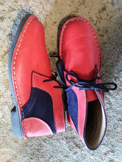 Vv416 Red and navy (Size 9)
