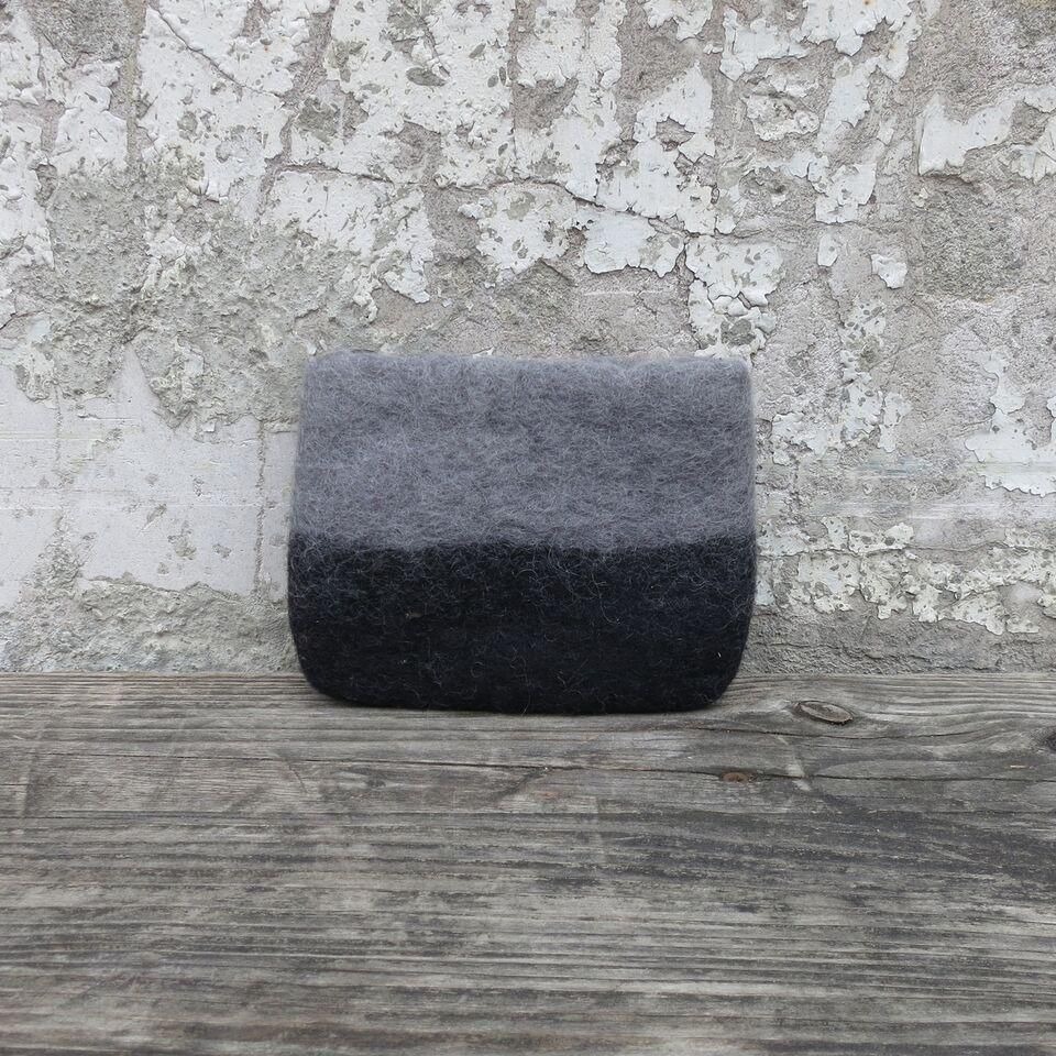 Lila Felt Purse - Black/Grey