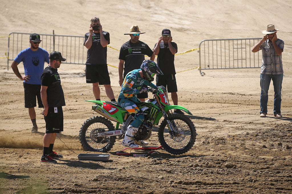 mx number 1 practicing his take off using a holeshot gate by Risk Racing
