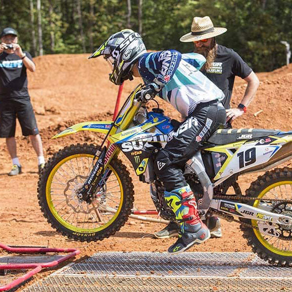Justin Bogle mx number 19 practicing his take offs using a holeshot race gate by Risk Racing