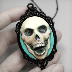 resin skull necklace