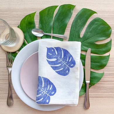 Serviette de table en lin - Imprimée de feuilles de Monstera bleues