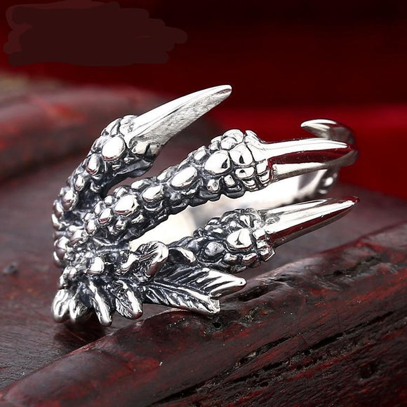 Sterling Silver Ring.  Men's domineering  dragon claw ring.