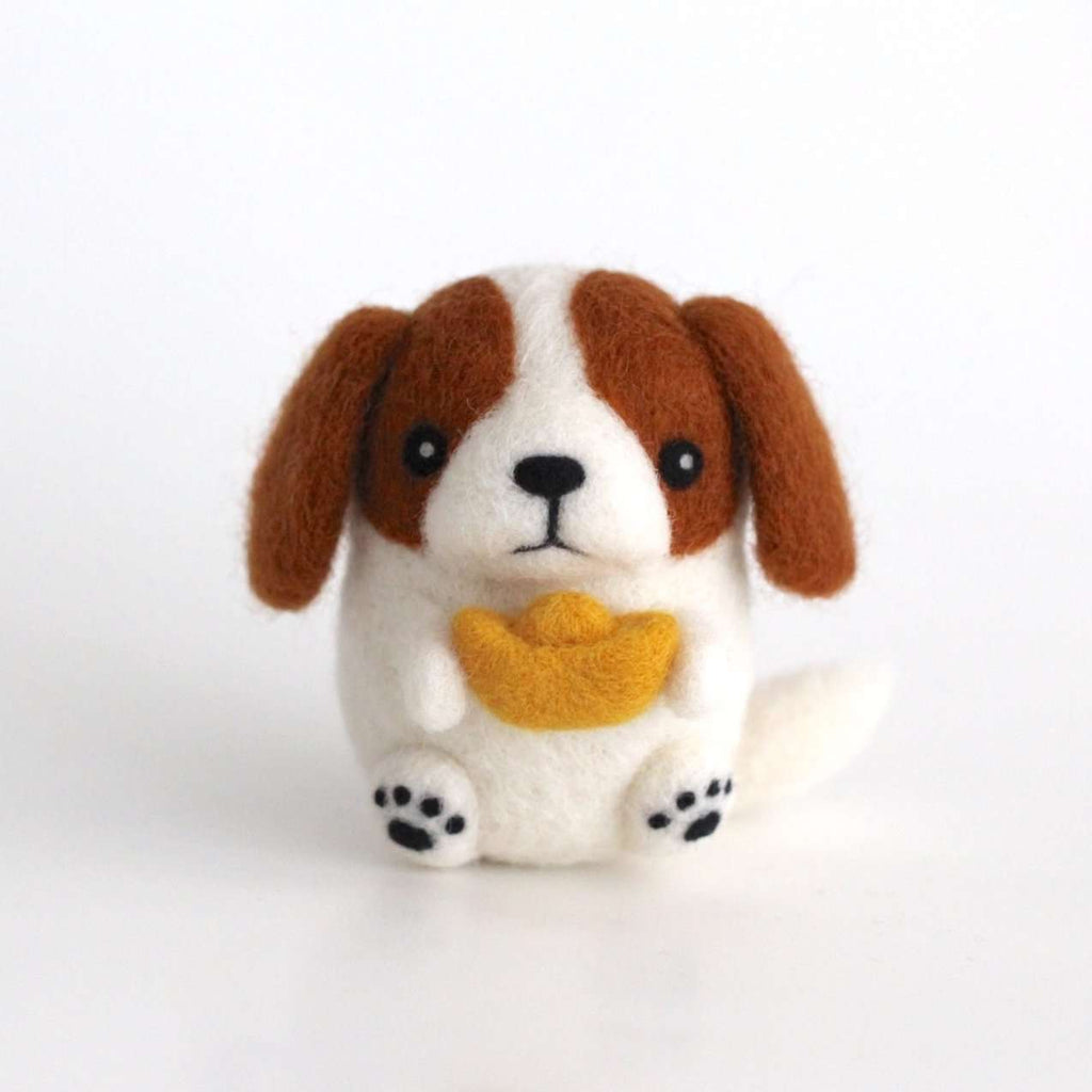 Needle Felted Cavalier King Charles Spaniel w/ a Gold Ingot by Wild Whimsy Woolies