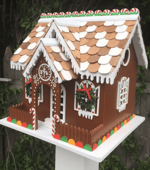 Holiday Birdhouses and Bird Feeders: A December Gift Guide