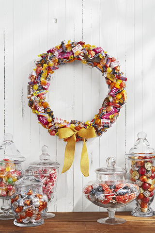 Happy Gardens - DIY Halloween Candy Wreath