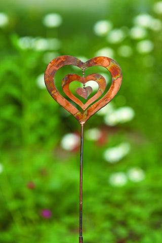Happy Gardens.- Triple Spinning Heart Garden Stake