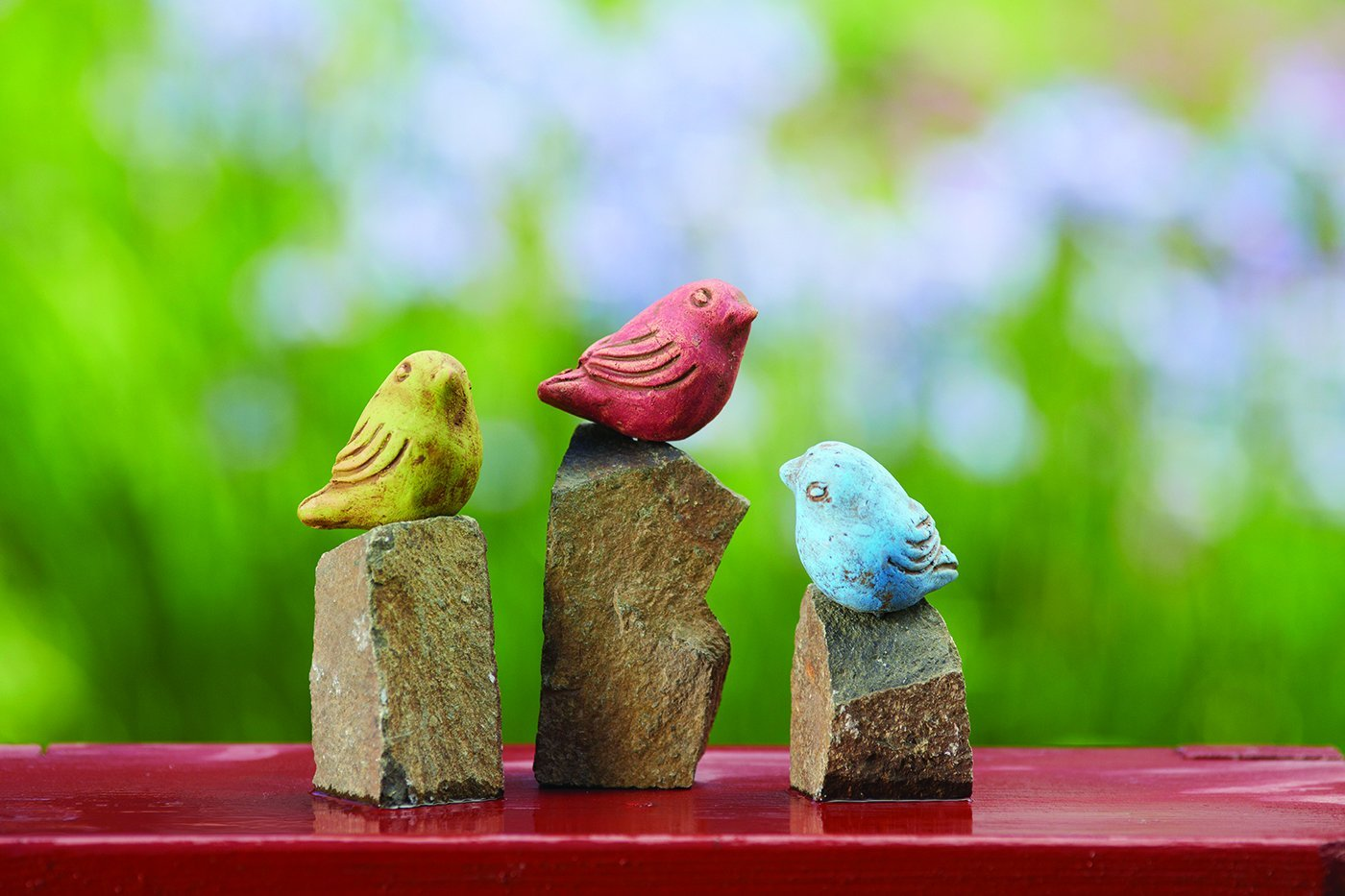 Happy Gardens - Mini Birds on Rocks, Set of 3 – Assorted Colors