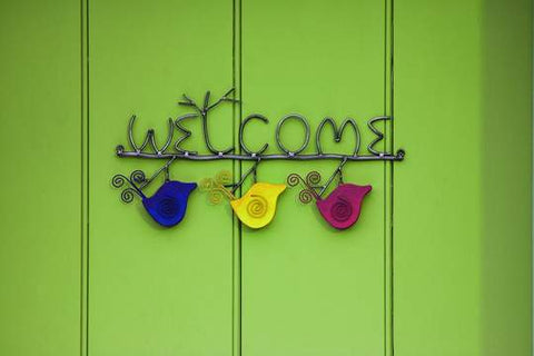 Happy Gardens - Swirly Bird Welcome Sign