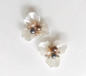 Mother of Pearl Cluster Flower Stud