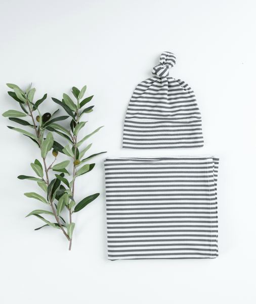 GREY/WHITE Hat and Blanket Baby Bundle