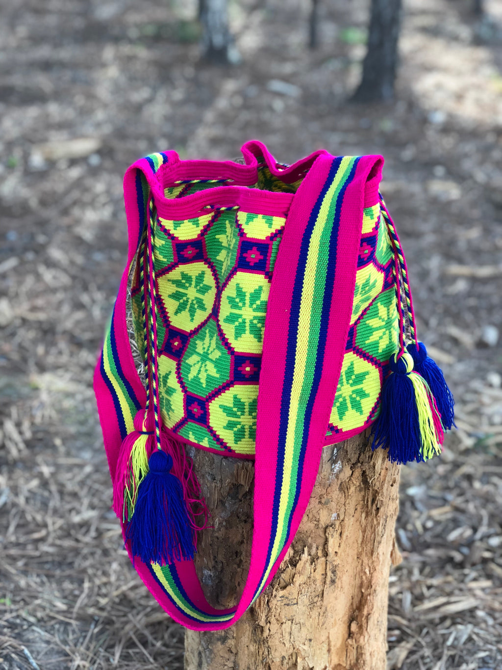 Premium Crochet Bag -  Crossbody/Shoulder Bag- Authentic Single Thread Wayuu Bag - Style MW1H15