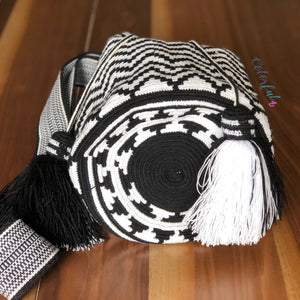 Perissa Beach Crochet Bag-Black & White Premium Crossbody Bag-Wayuu Bag