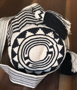 Bottom Black & white Crochet Bag- Crossbody Boho bag-wayuu -bohemian