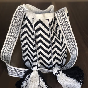 Black & white Crochet Bag- Crossbody Boho fashion bag-wayuu -bohemian