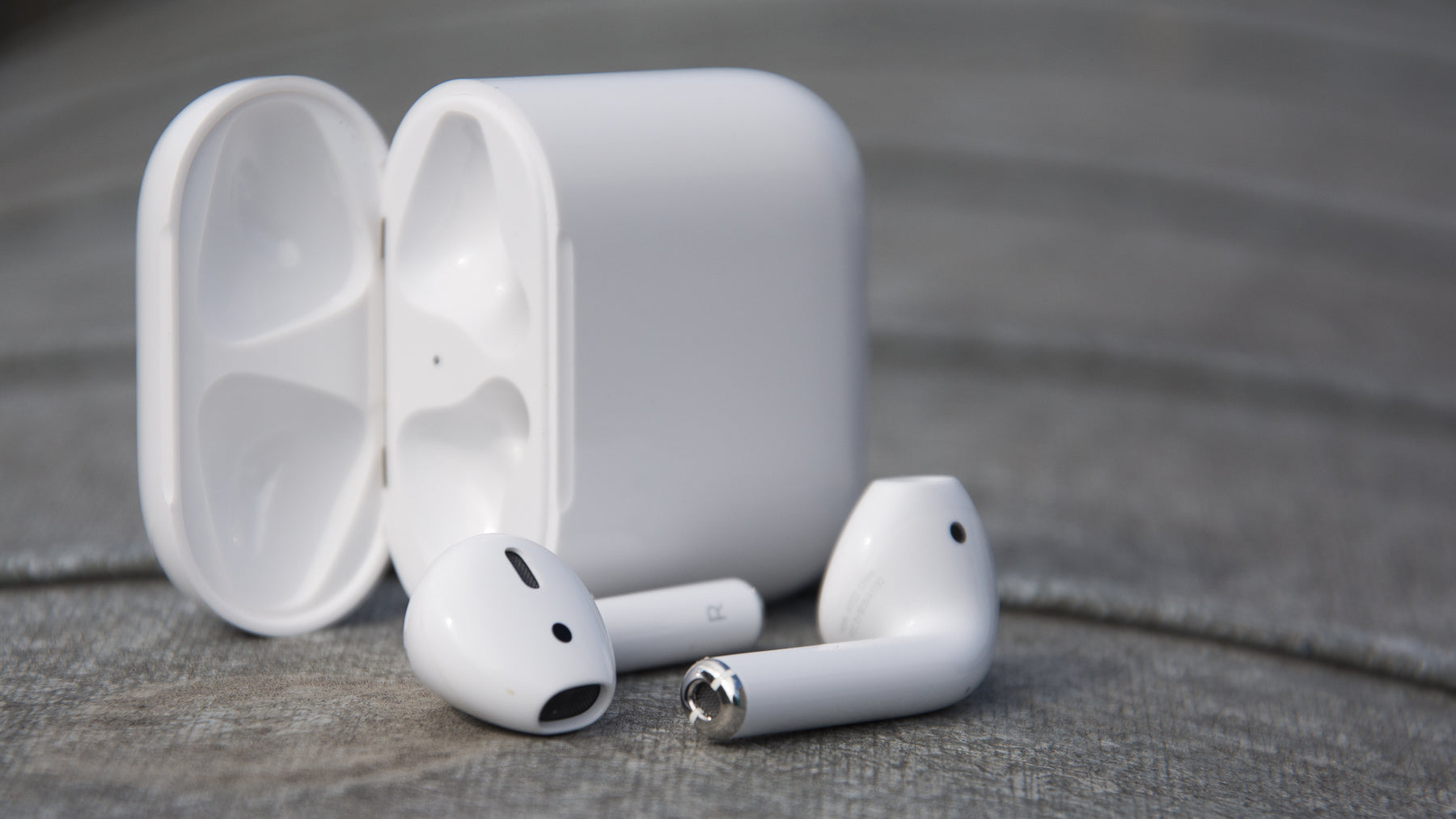 Does Apple Air Pod Worth Buying?