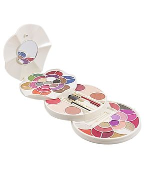 Glamorous Face Makeup Kit - Multicolour