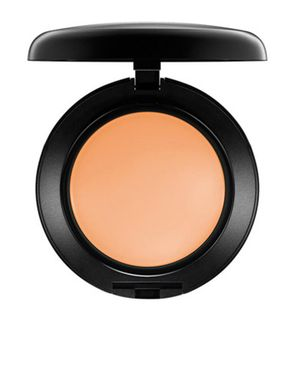 MAC Pro Long Wear SPF 20 Compact Foundation NW25