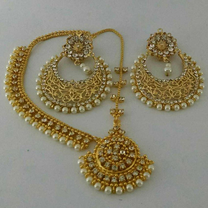 Pearl Earring With Matha Patti