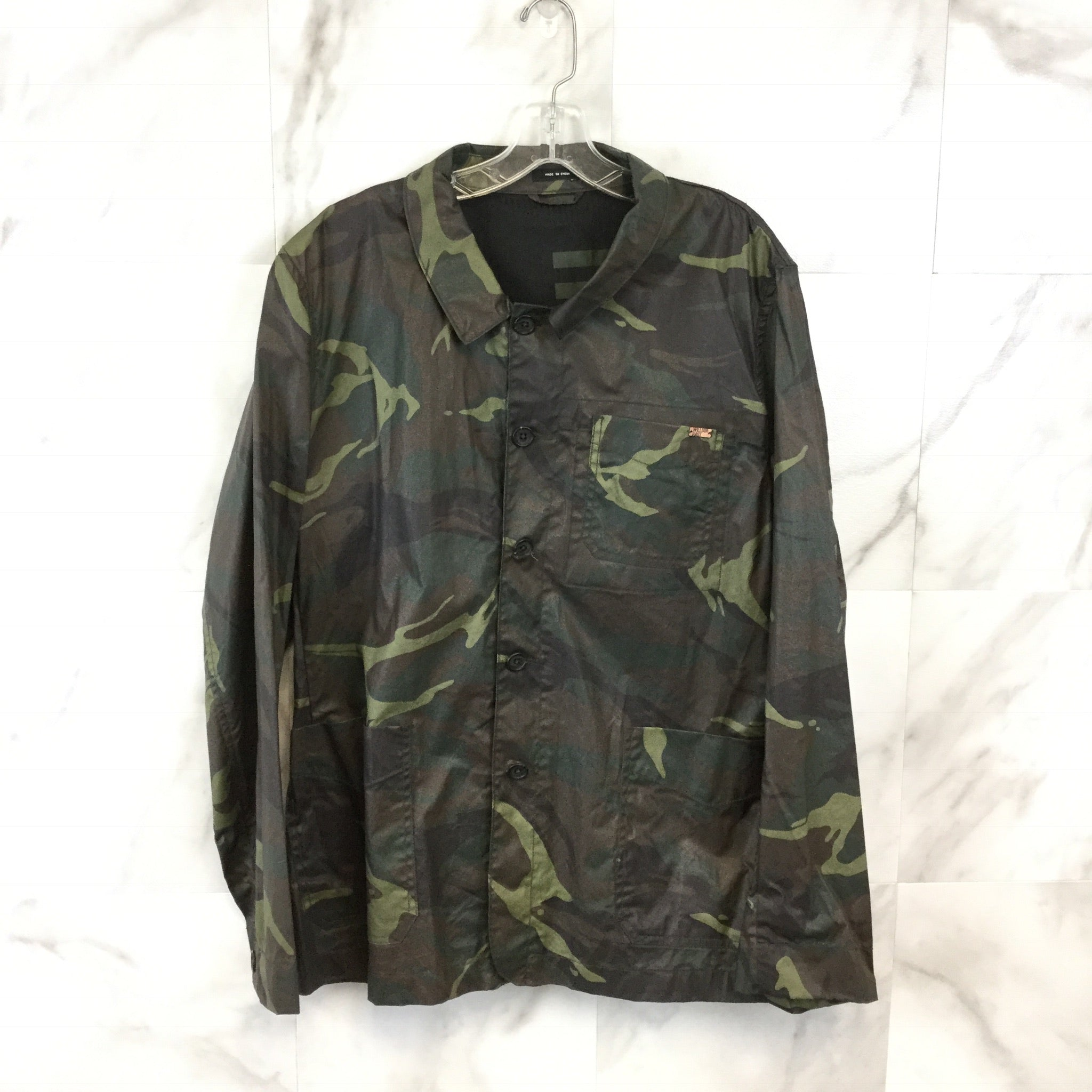 Men's William Rast  Camouflage Rain Jacket size X-Large