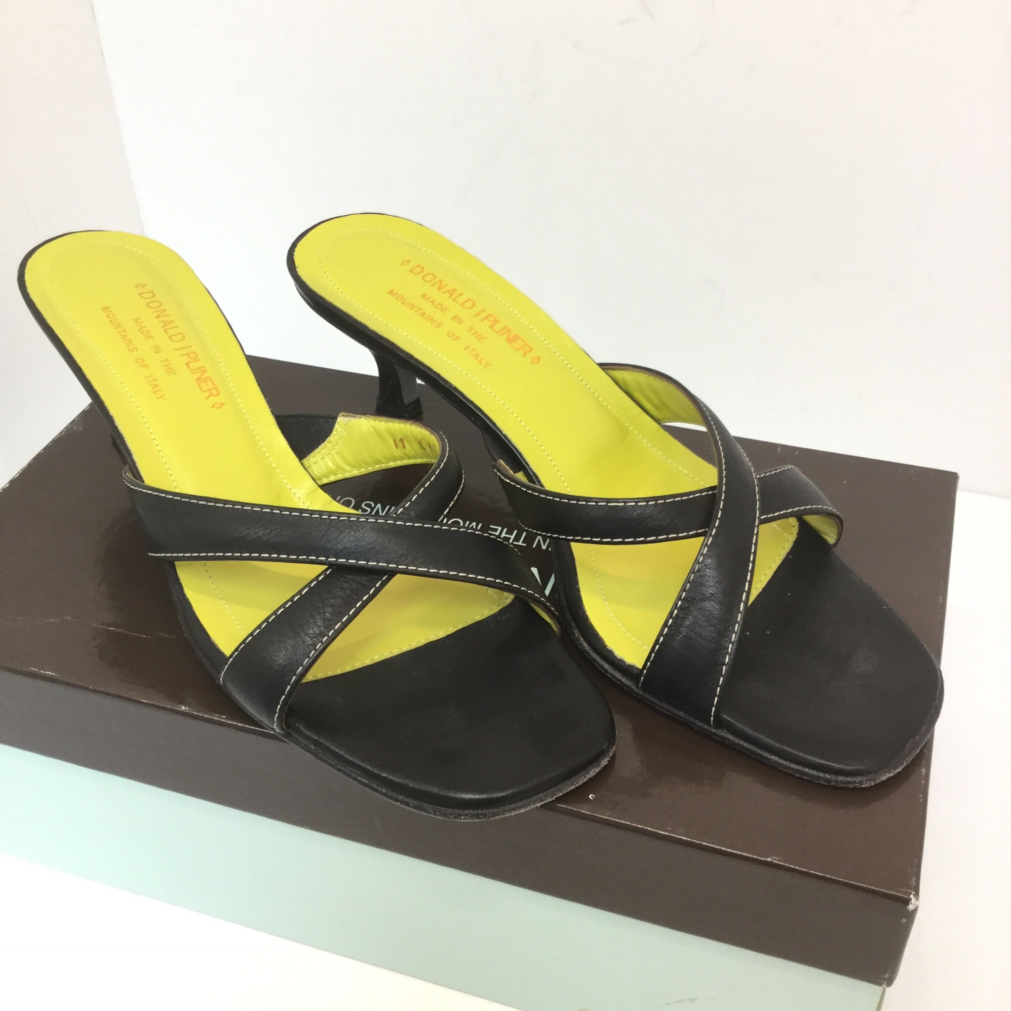 Donald J. Pliner Nappa Leather Sandals - size 8
