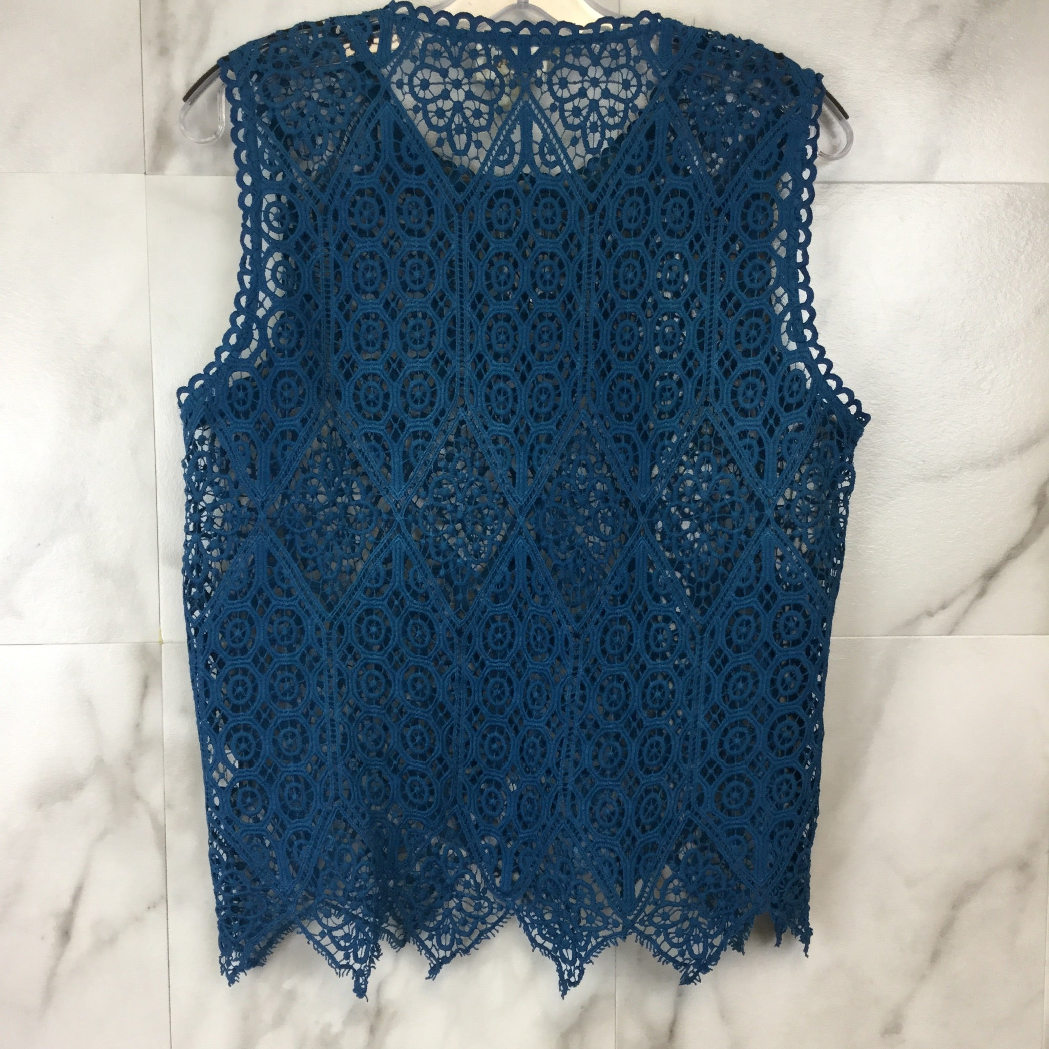 Anthropologie Deletta Scallop Lace Shell Top - size XS