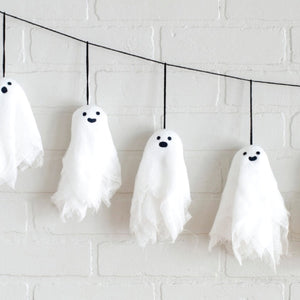 Flying ghosts garland Halloween workshop - Wed 30th Oct