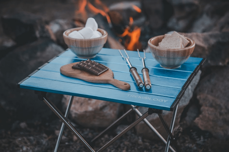 how to choose the best camping table