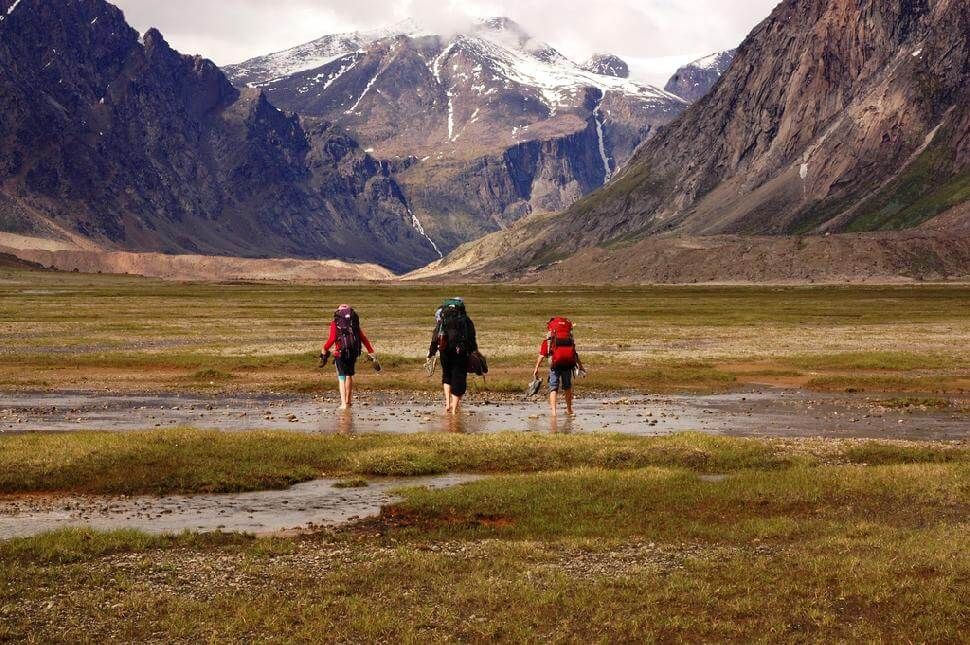spring hiking destinations in Canada