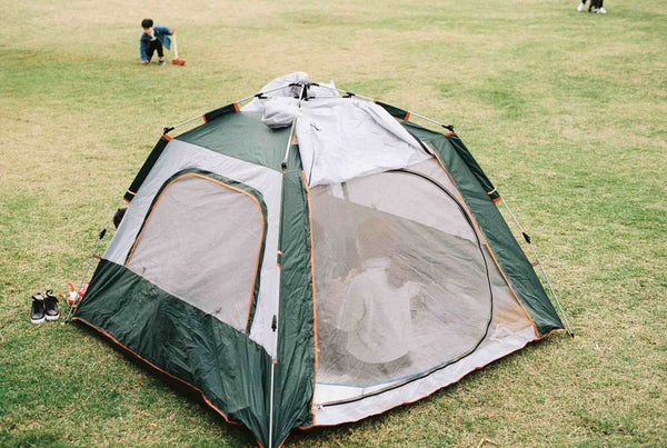 how to avoid bugs while camping
