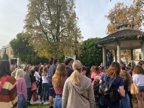 Scott Patterson surprised Gilmore Girls fans at Warner Brothers tour