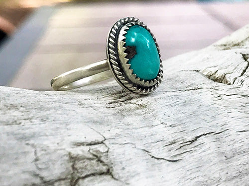 Kingman Turquoise Sterling Silver Ring - U.S. Size 6