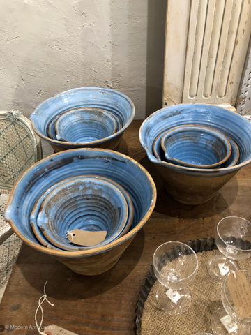 Nesting Bowls in light blue