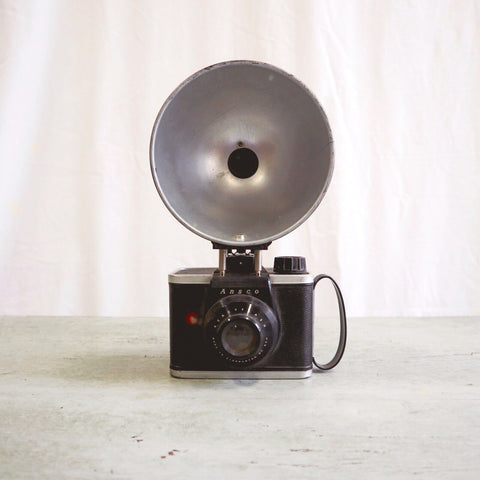 Vintage USA Ansco Ready Flash Camera