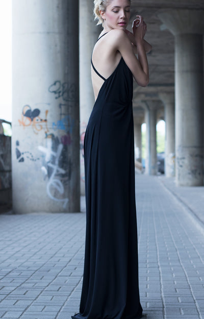 Black Plunging Neckline Strappy Dress - steele-gray-rose